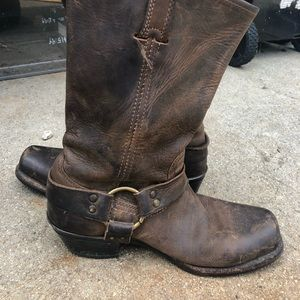 Size 8 Frye boots